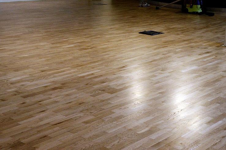 floor-is4 Floor Cleaning